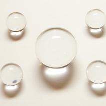 研磨された水晶丸玉