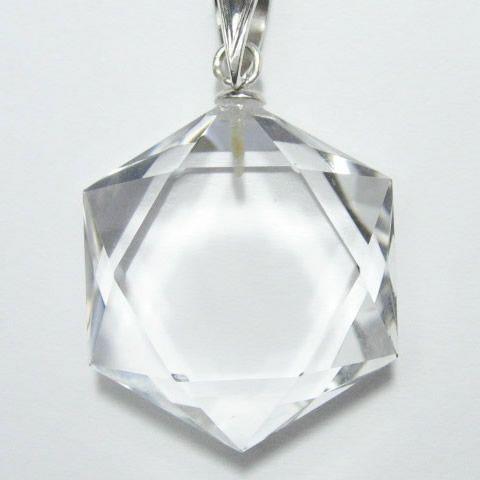 パワーストーンの水晶六芒星ペンダント