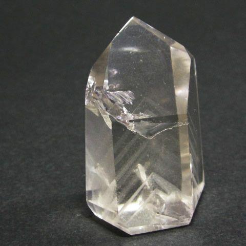 天然水晶のファントムクォーツ原石(山入り水晶)ポイント33