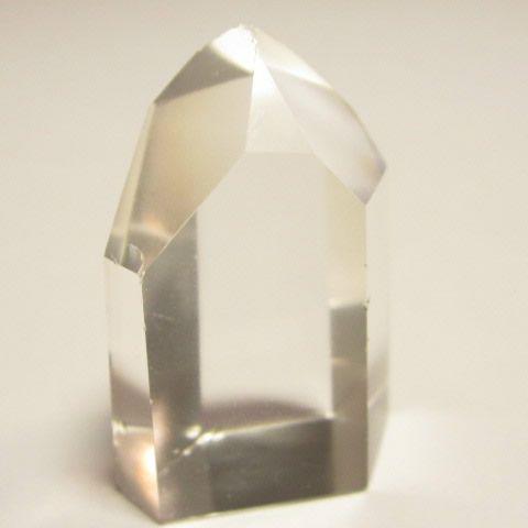 パワーストーンの水晶ポイント六角柱原石110