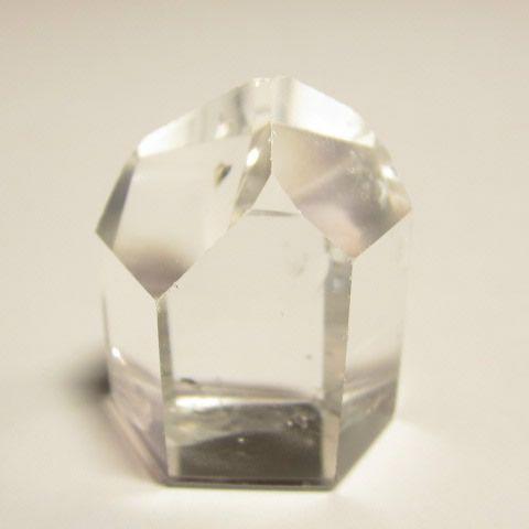 天然石・水晶ポイント六角柱の水晶原石