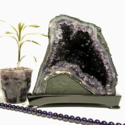 アメジストドーム原石 紫水晶洞 3.78Kg 木製台座付